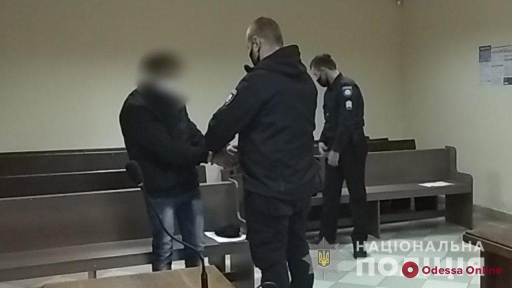 Избил и изнасиловал пожилую односельчанку: в Одесской области задержали преступника