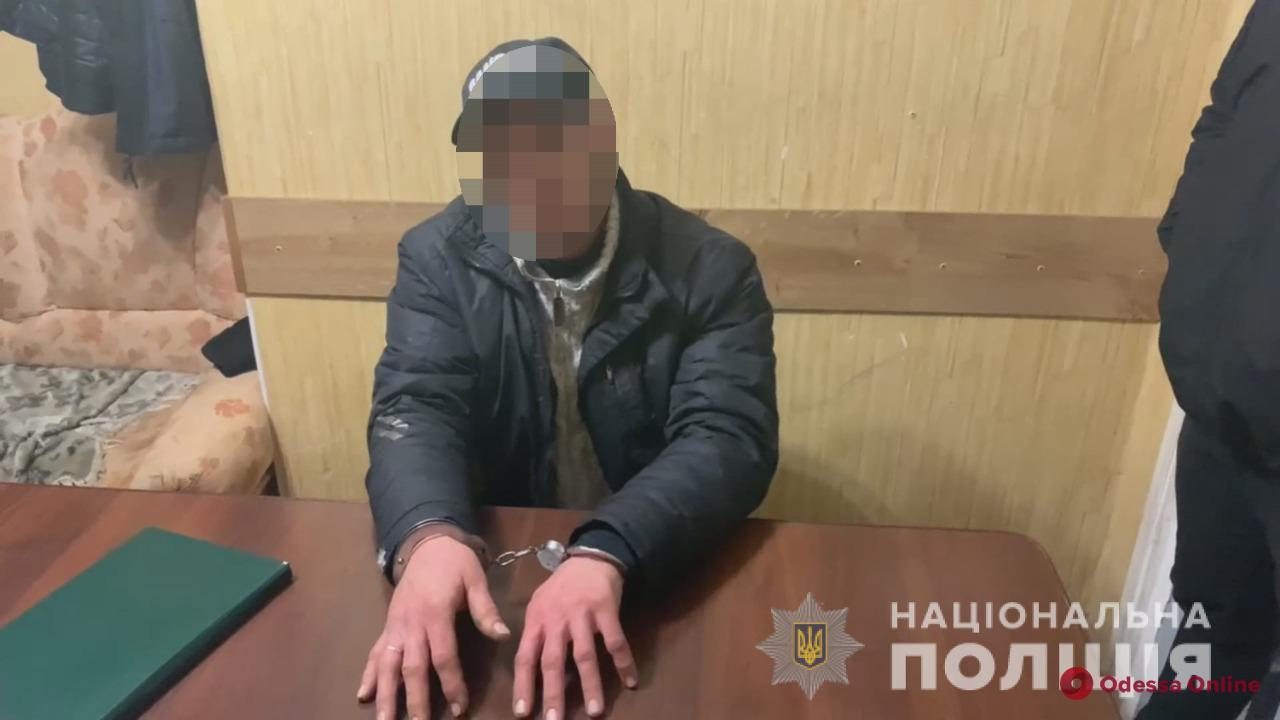 Суд отправил в СИЗО одессита, который систематически насиловал жену и двух дочерей