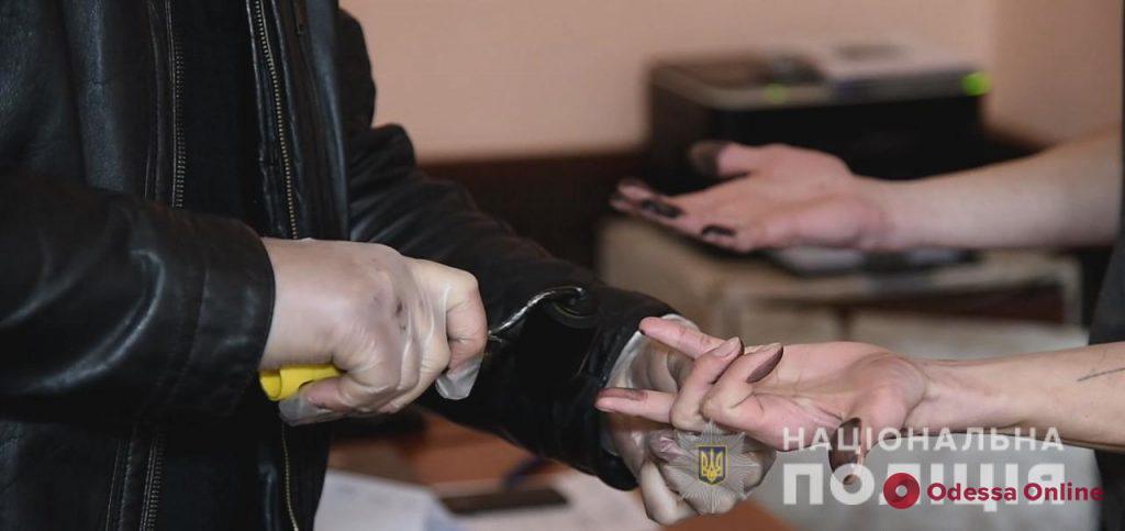 В Одессе задержали поджигателей автомобиля Mercedes-Benz Maybach
