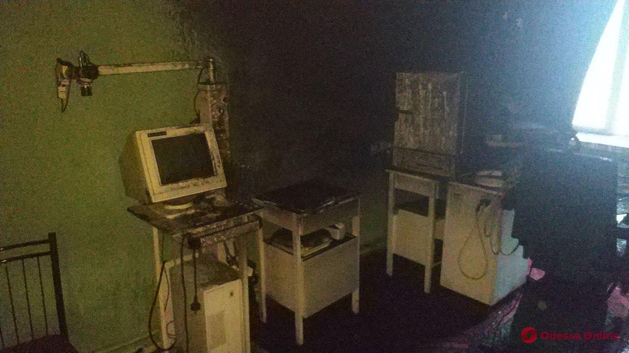 В школе-интернате на Черемушках тушили пожар