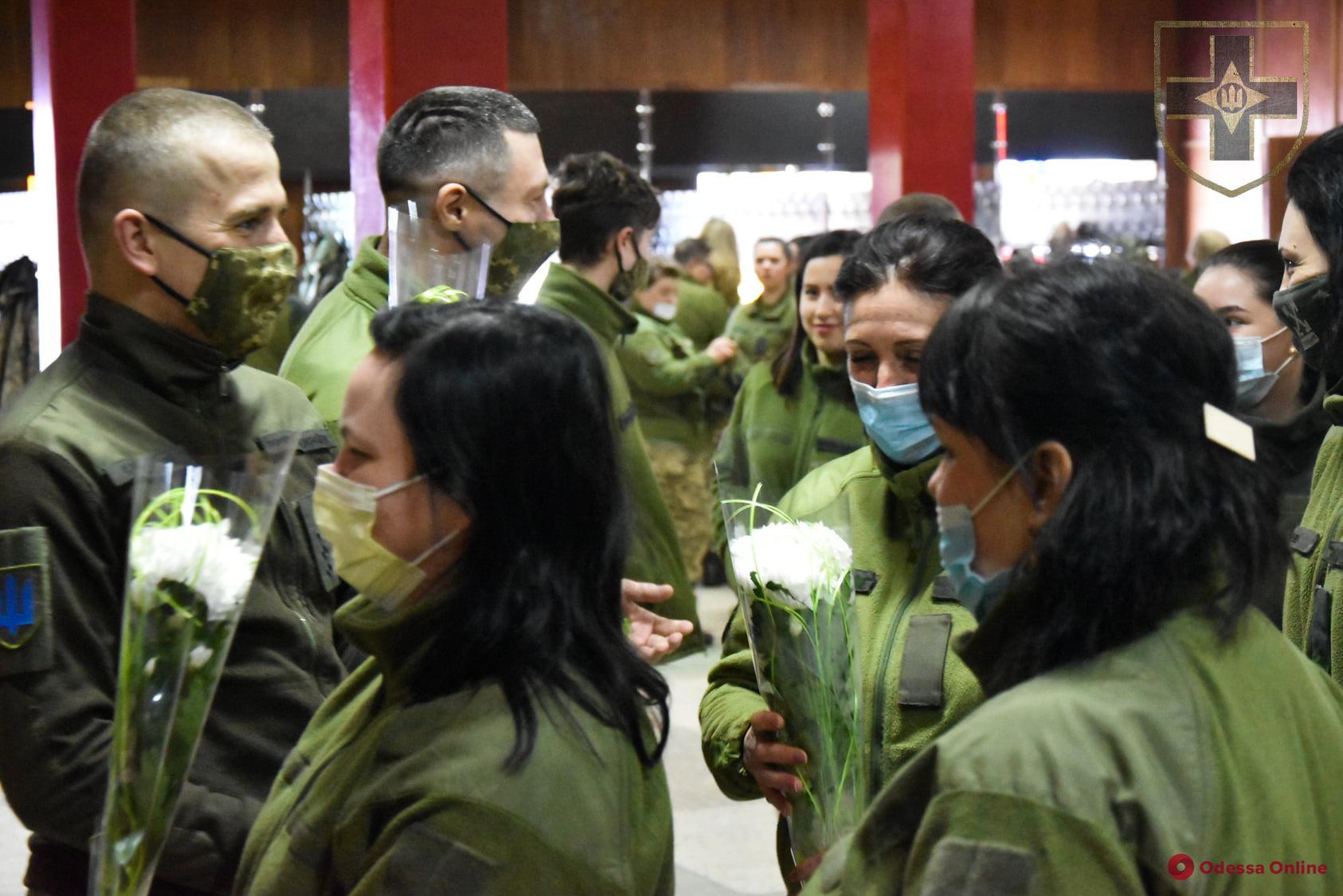 В одесской мехбригаде тепло поздравили женщин (фото)