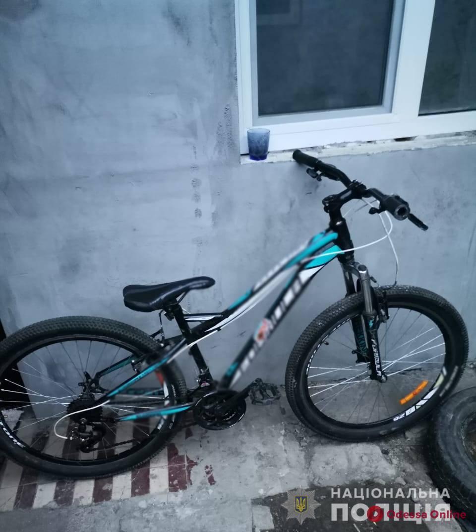 В Одессе иностранец, угрожая ножом, отобрал у ребенка велосипед