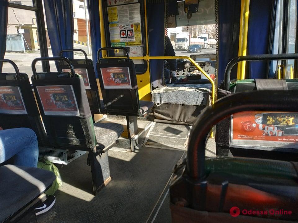 Одесса в «красной» зоне: как работает общественный транспорт (фото)