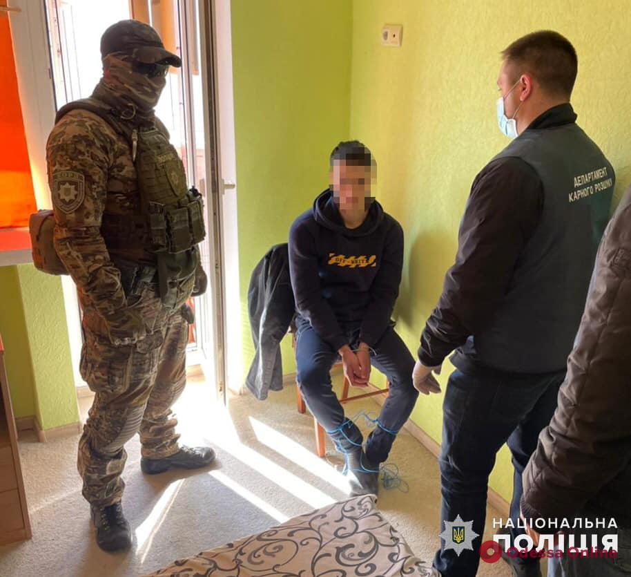 Требовали выкуп в миллион долларов: суд арестовал двух подозреваемых в похищении одессита
