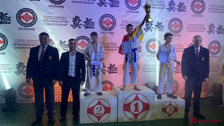 Одесситы успешно выступили на чемпионате Украины по киокушин каратэ
