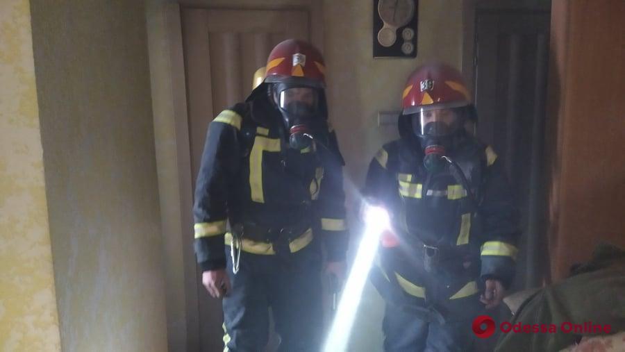 В Южном женщина разбилась насмерть, спасаясь от пожара в девятиэтажке