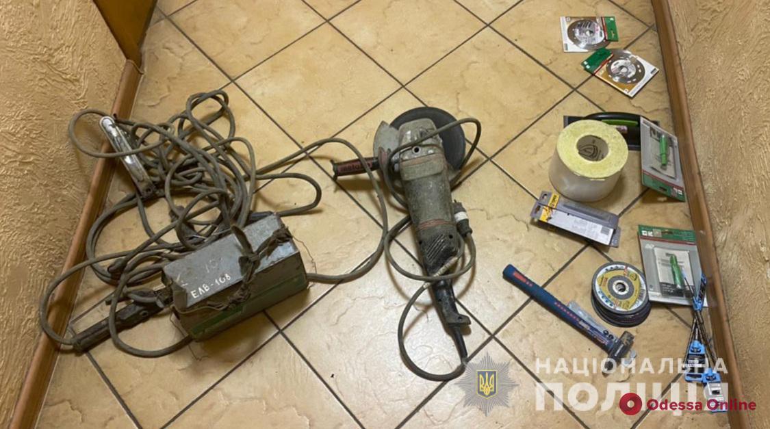 На Молдаванке трое строителей обокрали бывшее место работы