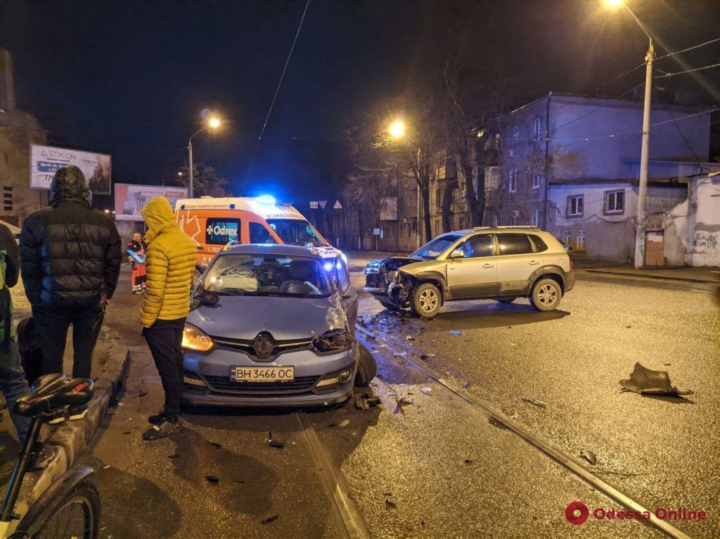 На Молдаванке столкнулись две иномарки (фото)
