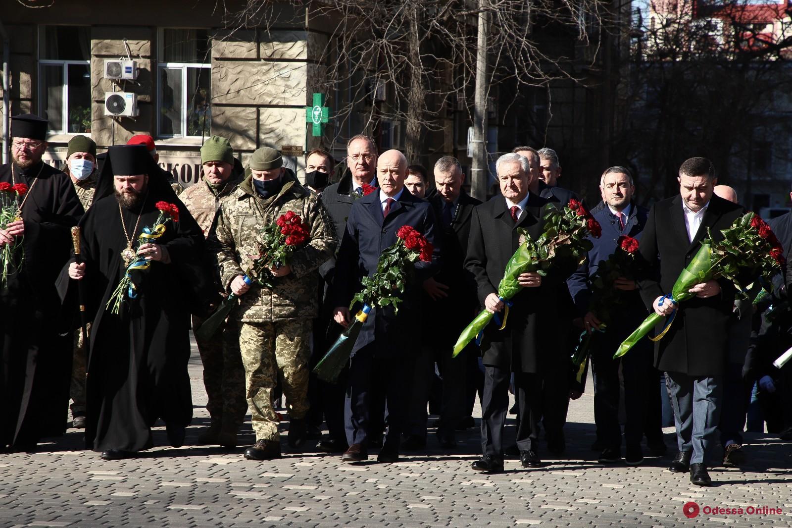 В Одессе возложили цветы к памятнику Тарасу Шевченко (фото)