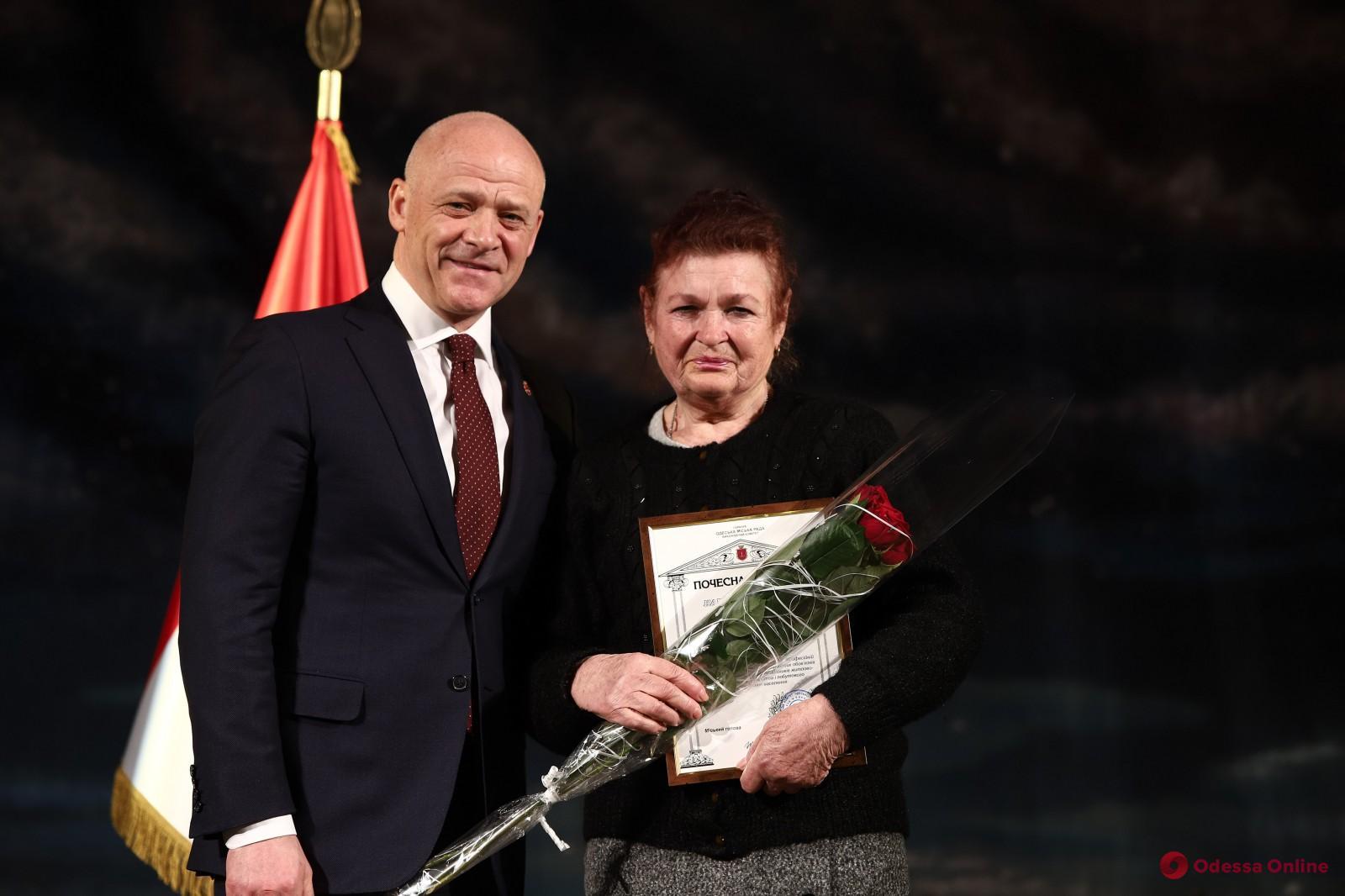 Мэр Одессы Геннадий Труханов поздравил коммунальщиков с профессиональным праздником