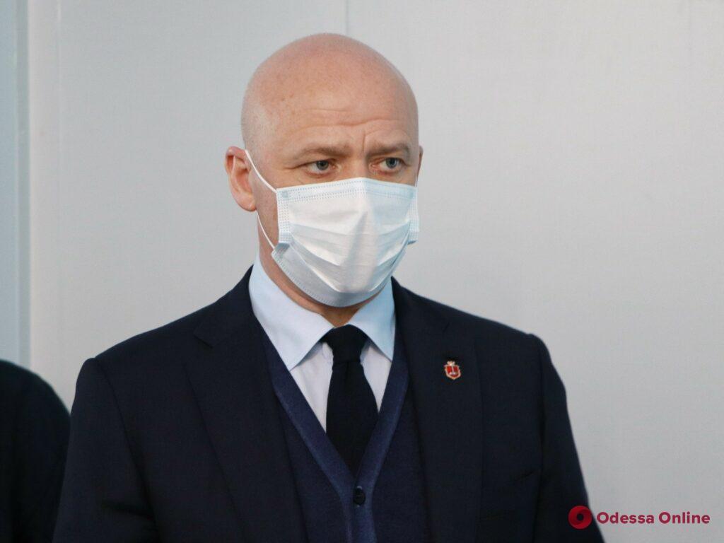 Мэр Одессы проверил готовность к открытию обновленного приемно-диагностического отделения Еврейской больницы