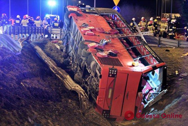 Автобус с украинцами попал в жуткое ДТП в Польше – шесть человек погибли