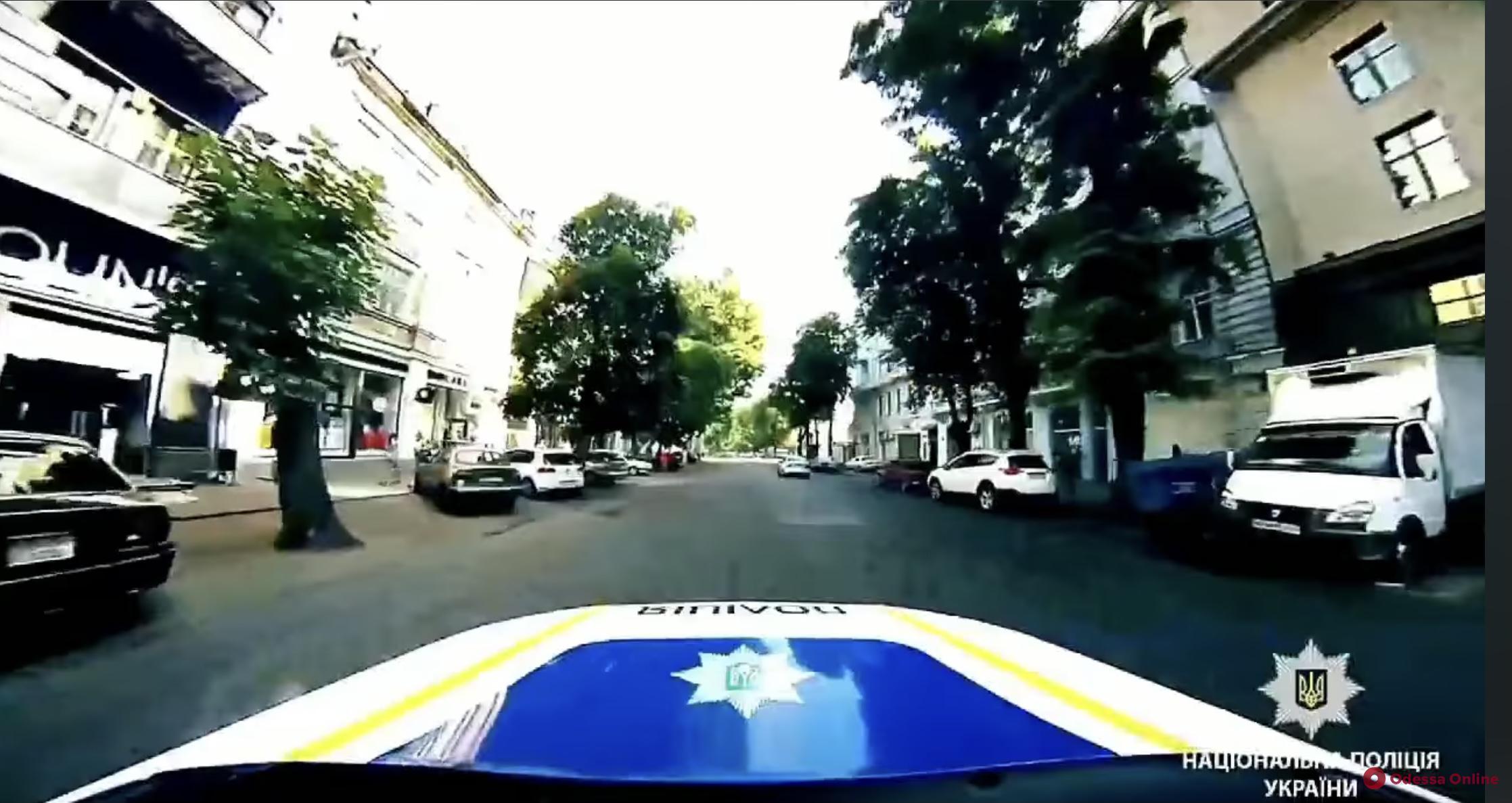 Одесские полицейские присоединились к популярному челленджу (видео)