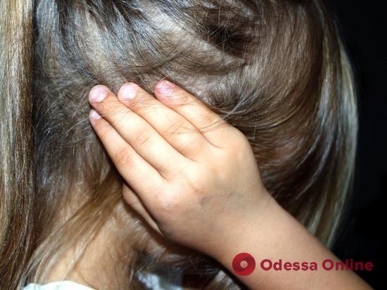 Житель Одесской области развращал 5-летнюю дочь