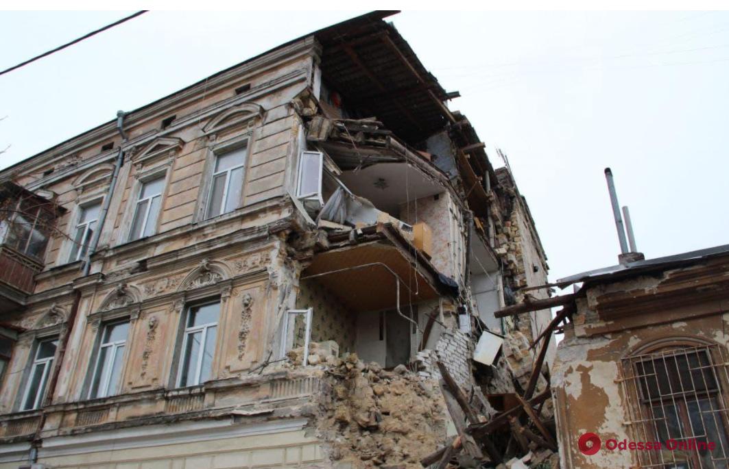 Обрушение дома на Нежинской: на проект реконструкции здания выделили полмиллиона