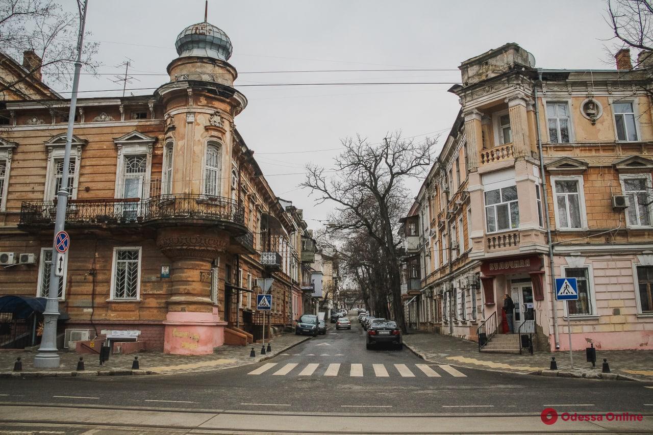 Красивейший из затерянных: переулок Ляпунова (фоторепортаж)