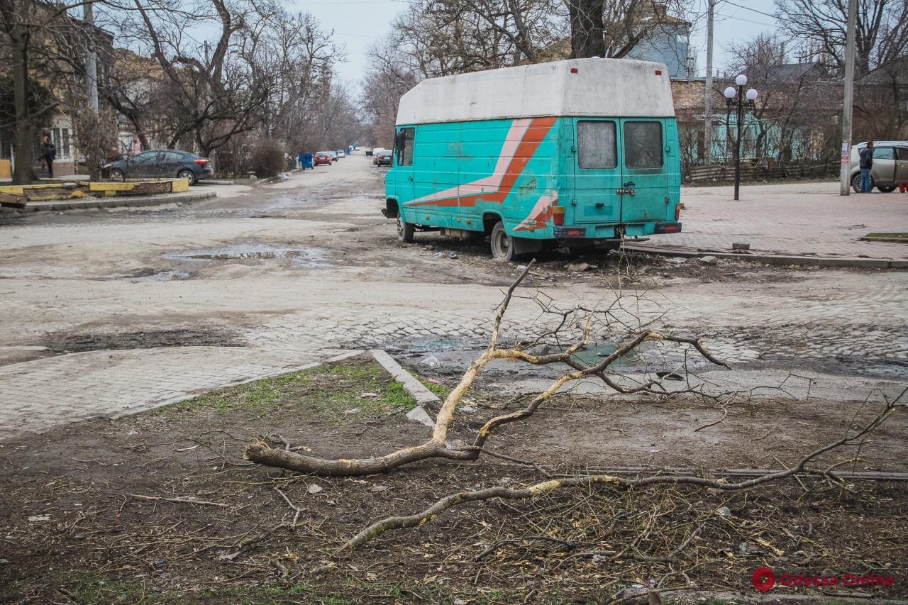 Будни одесской Молдаванки: фоторепортаж с Алексеевской площади