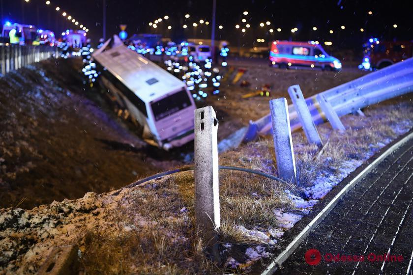 В Польше автобус с украинцами попал в ДТП – один человек погиб, пятеро пострадали