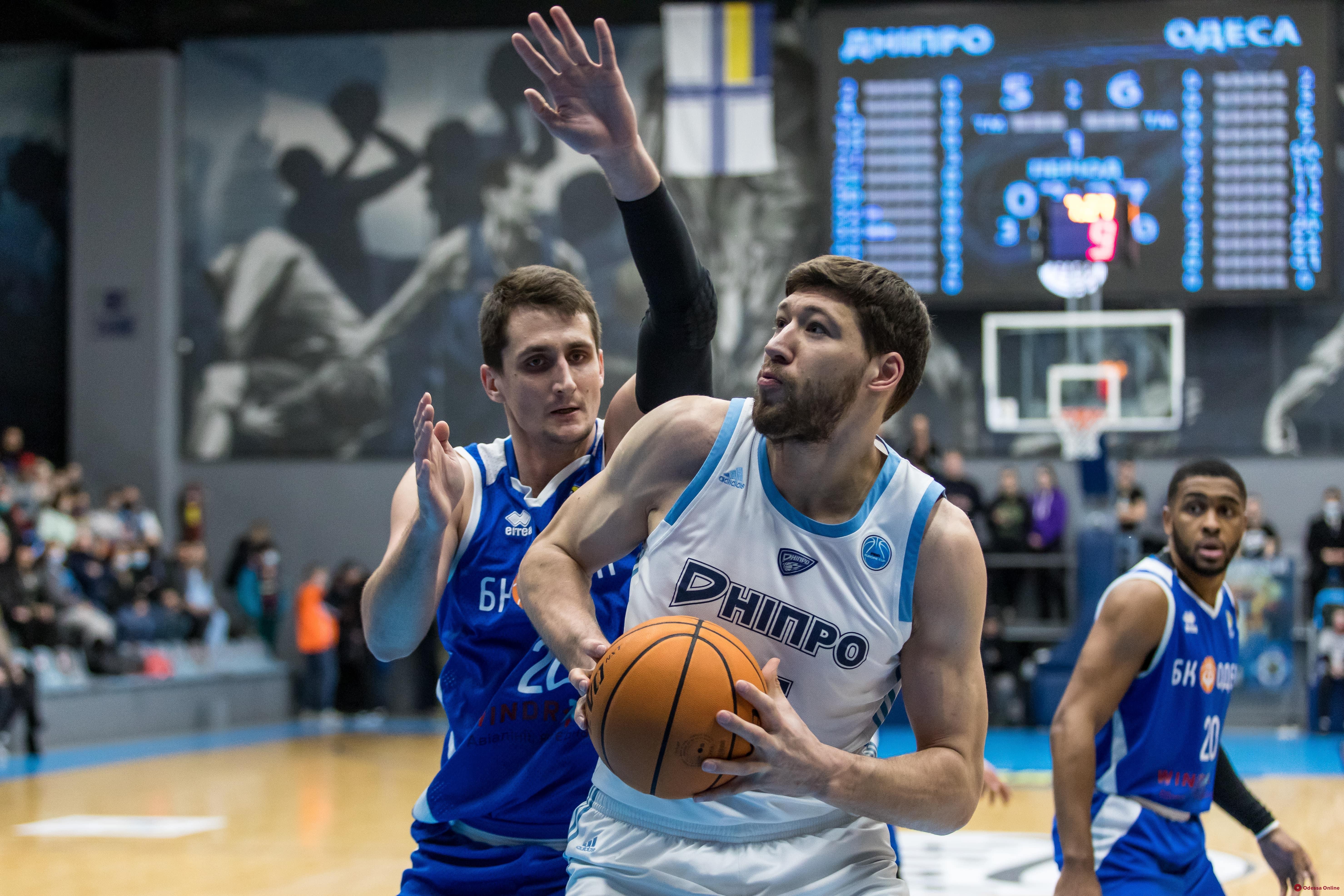 Баскетбол: «Одесса» проиграла чемпиону, «Химик» – аутсайдеру