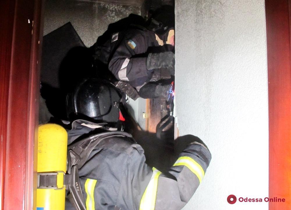 На Таирова из-за короткого замыкания горел частный дом