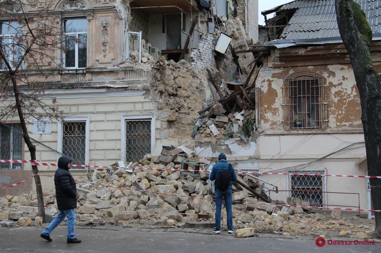 Обрушение дома на Нежинской могли спровоцировать ремонтные работы, — вице-мэр Жеман
