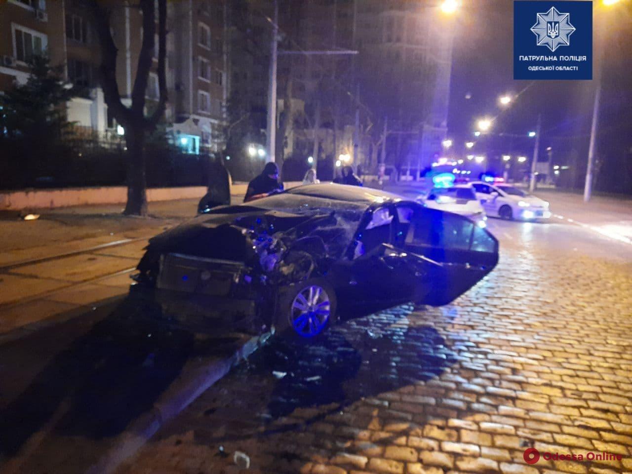 На Французском бульваре в ДТП пострадали три человека
