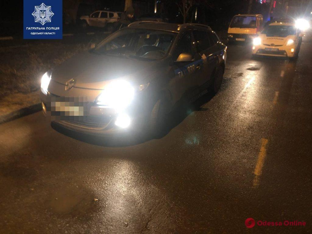 Одесские патрульные вернули таксисту угнанный автомобиль