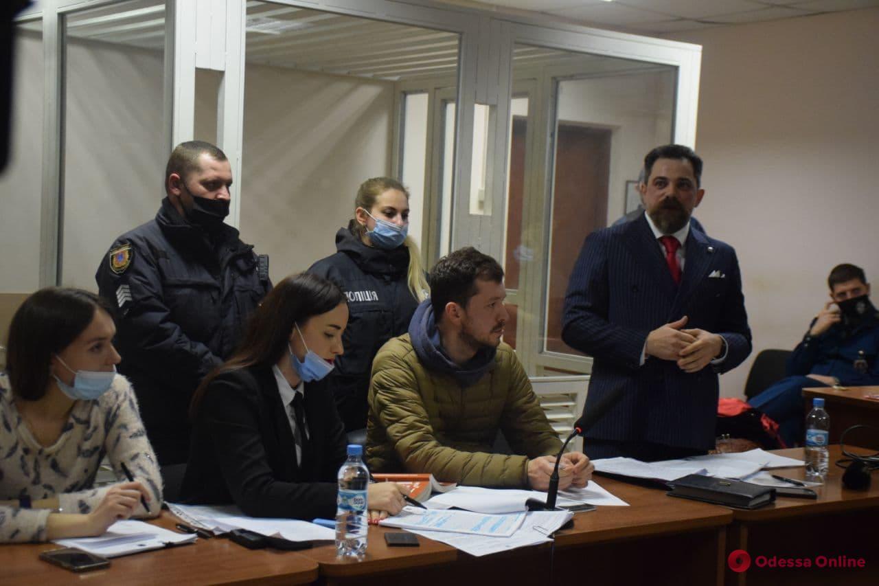 ДТП или нападение: фотографа Евгения Никифорова отправили под ночной домашний арест