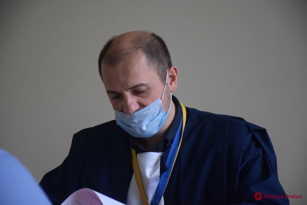 Суд отправил под домашний арест мужчину, который в Одессе избил ветерана АТО