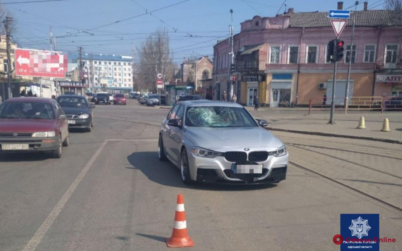 На Пересыпи автомобиль BMW сбил пешехода