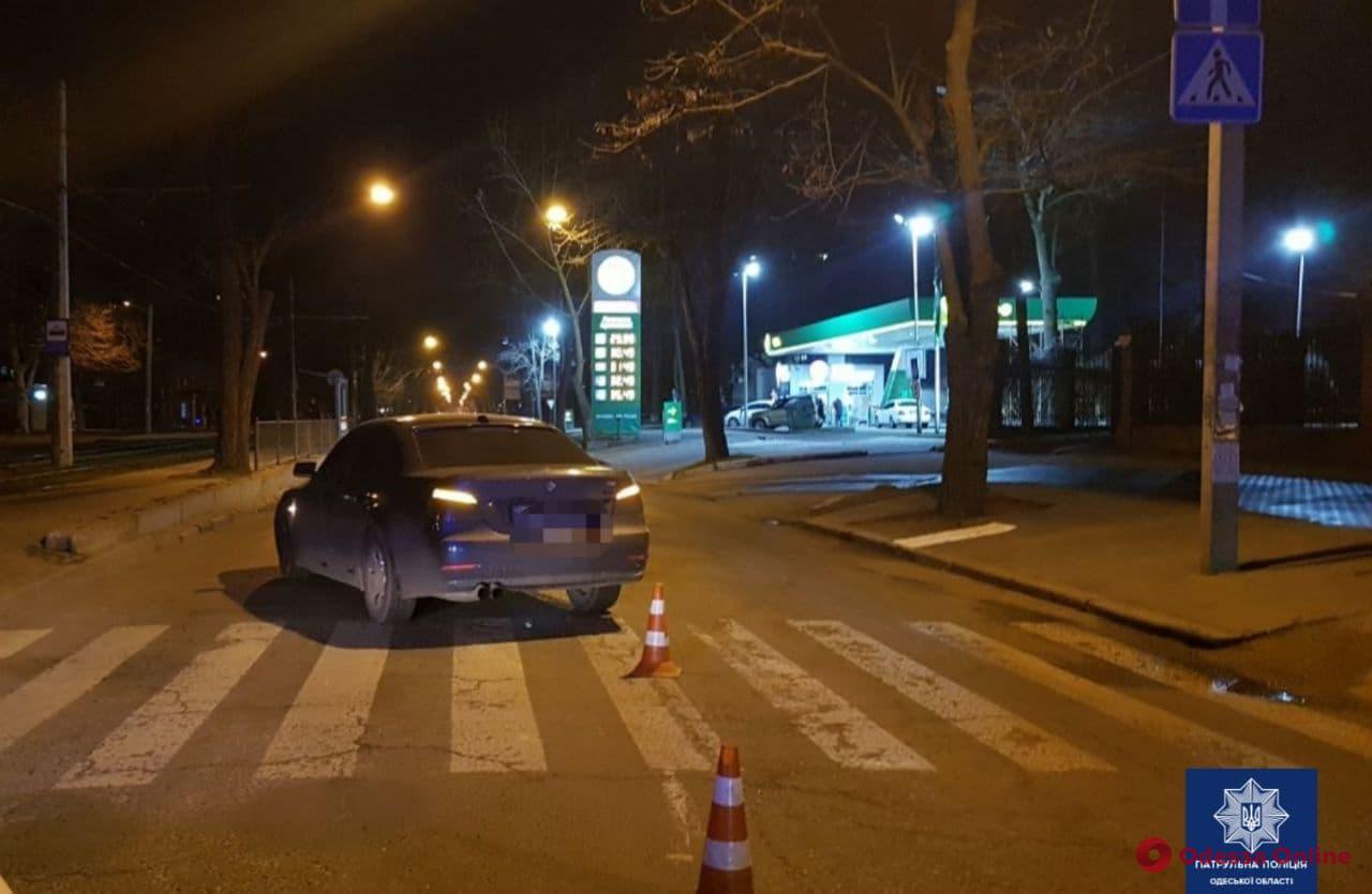 На Фонтане автомобиль BMW сбил женщину