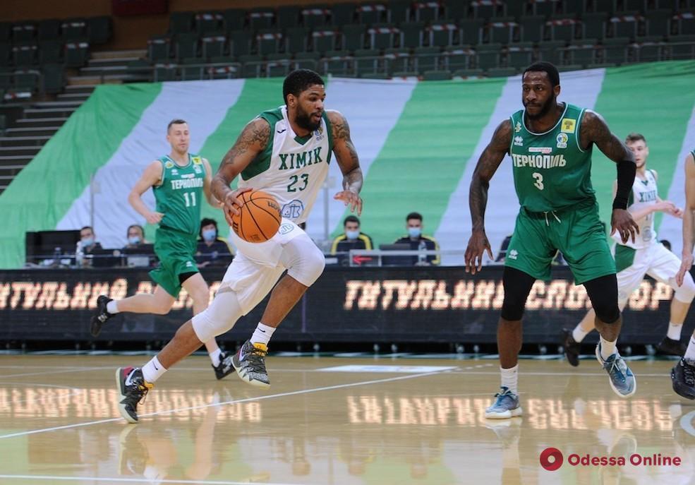 Баскетбол: «Химик» проиграл киевлянам, но обыграл «Тернополь»