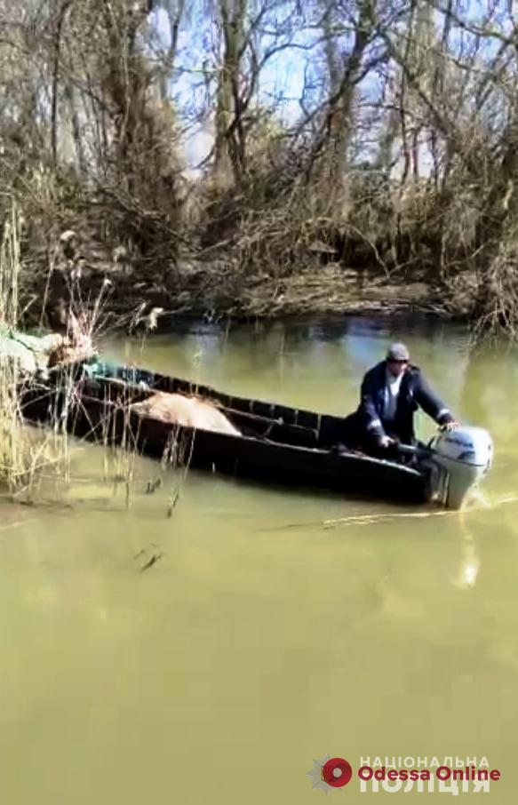 Возле Вилково на Дунае ловили пьяного рыбака на лодке (видео)