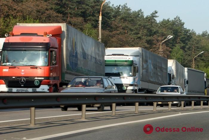 Грузовикам и фурам хотят запретить въезд в Одессу в часы пик