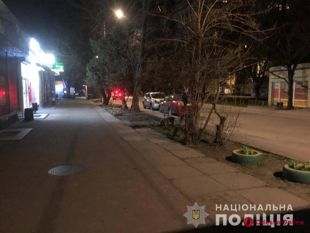 На поселке Котовского кавказец на улице ударил ножом прохожего, поспорившего с его другом