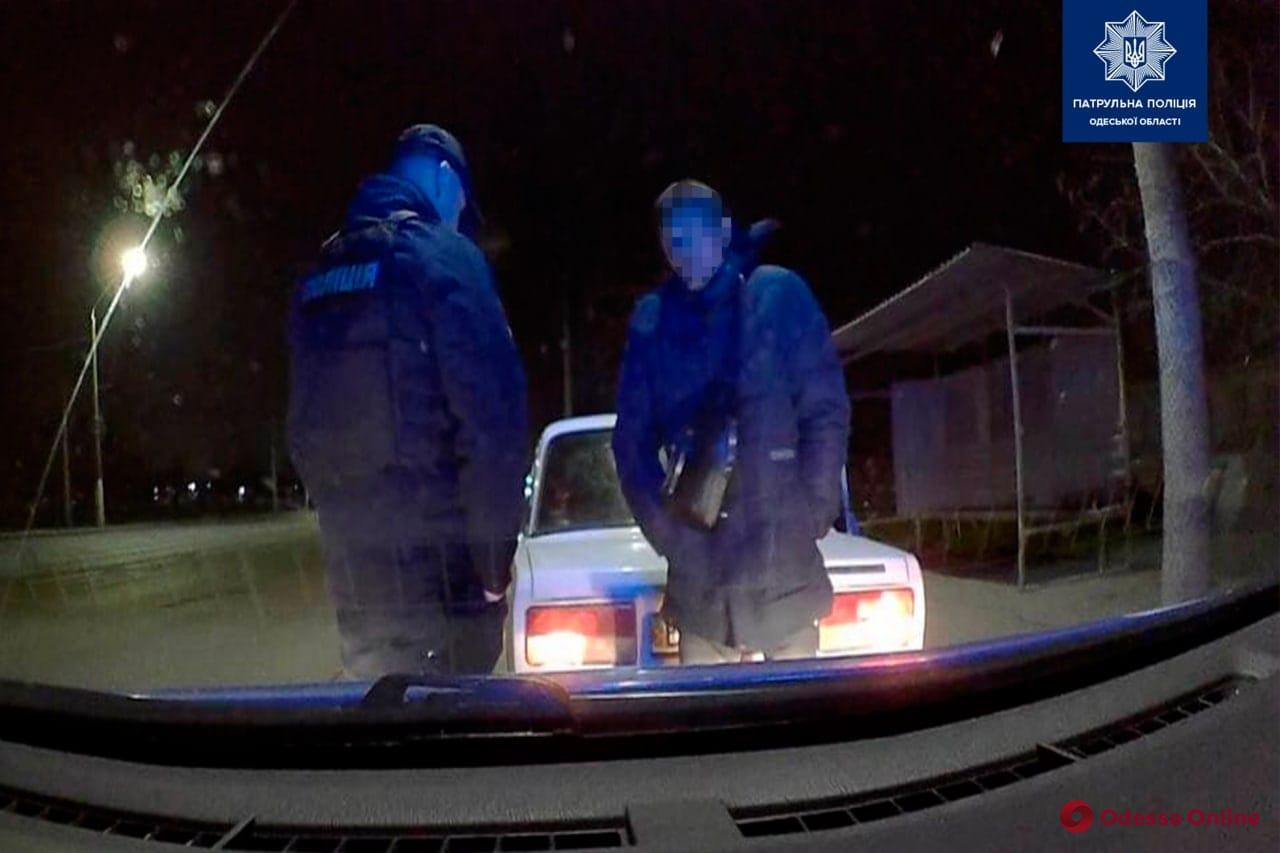 Ночью пьяные водители дважды пытались подкупить одесских патрульных