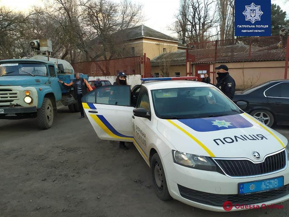 В Одессе патрульные помогли быстро доставить кислород в больницу (фото)