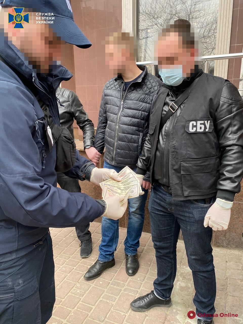 В Одесской области СБУ поймала фискальщика-взяточника