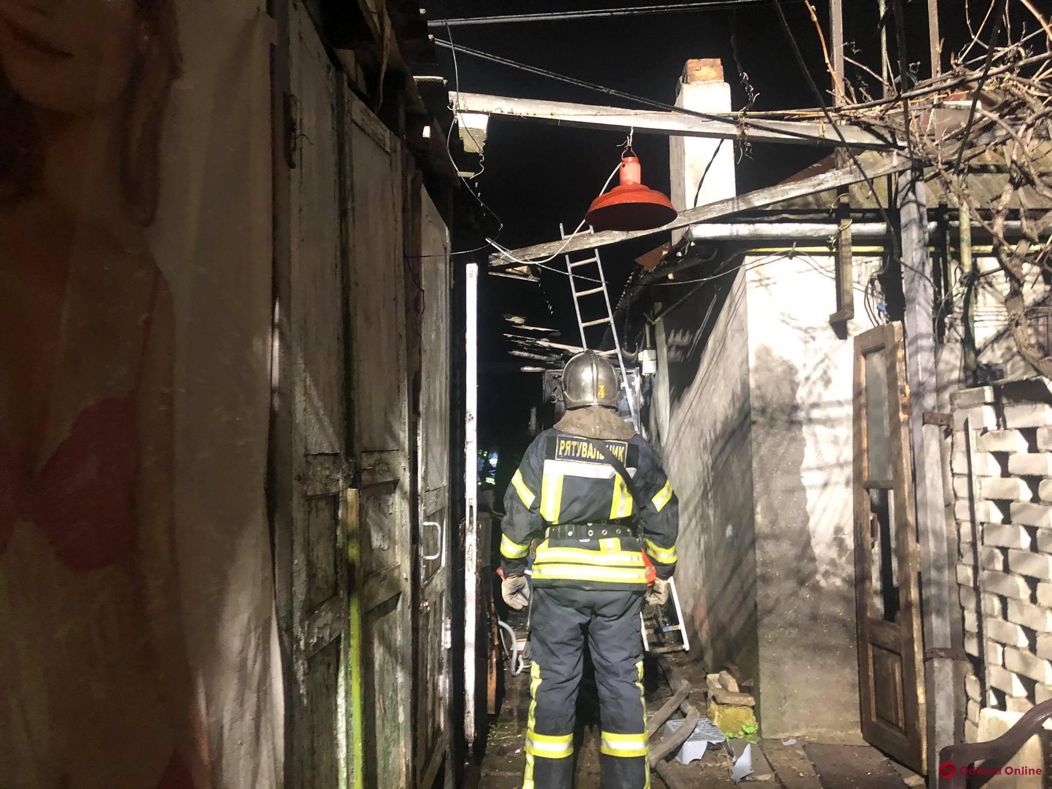 В Одессе при пожаре погибла женщина и пострадал мужчина