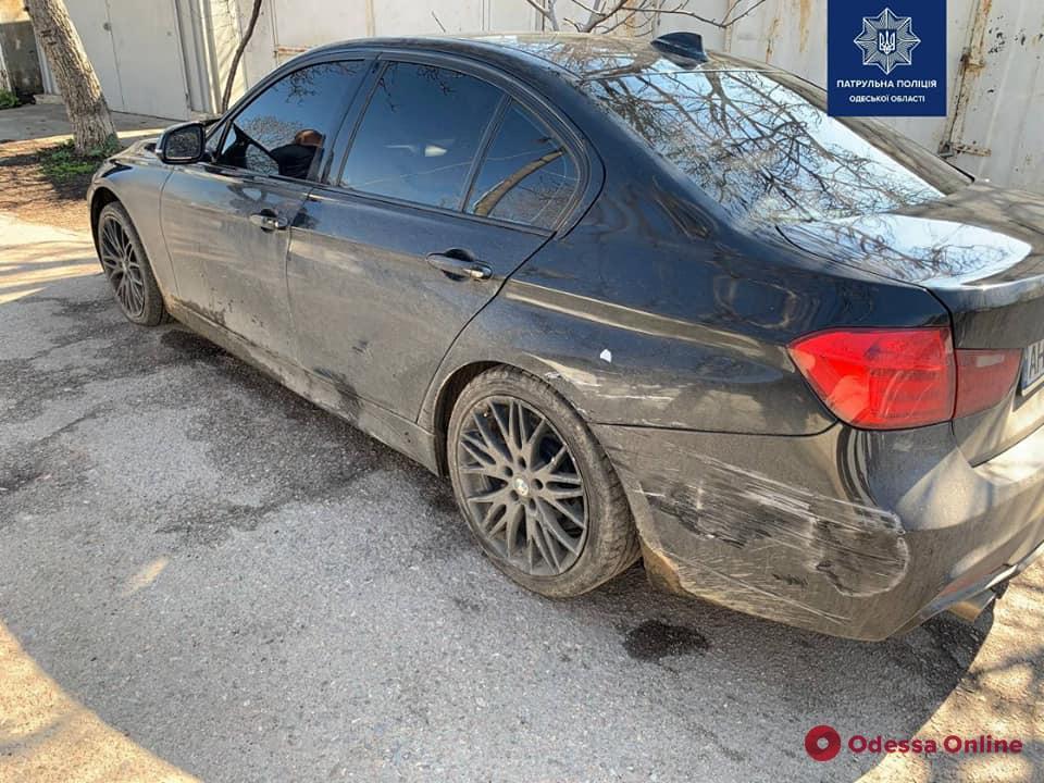 Одесские патрульные с погоней и стрельбой ловили пьяного водителя BMW (видео)