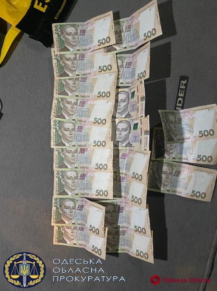 В Одессе сотрудников Госпотребслужбы будут судить за взятку и подделку документов
