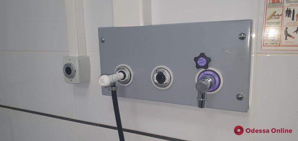 Благодаря волонтерам в Любашевской больнице появился кислородный генератор (фото)