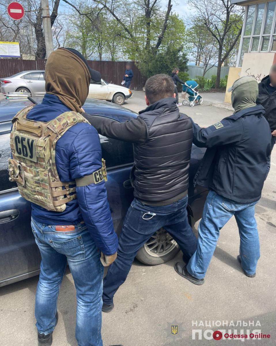 В Одессе сотрудник Госпотребслужбы «собирал дань» с предпринимателей