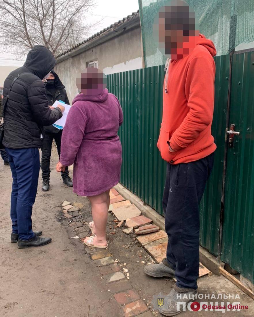 Торговала несуществующей  одеждой:  в Одесской области полиция разоблачила интернет-мошенницу