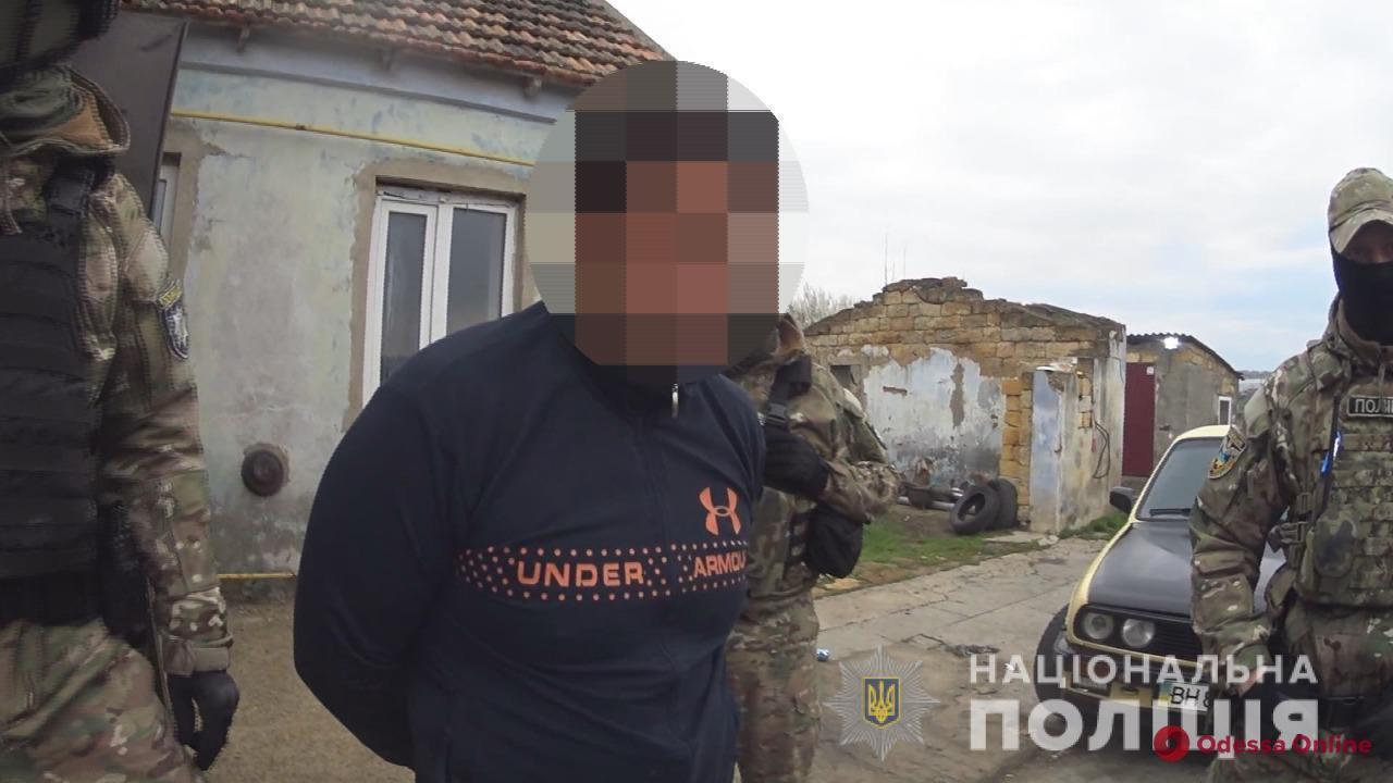 В Одессе суд отправил в СИЗО педофила, который три года насиловал падчерицу