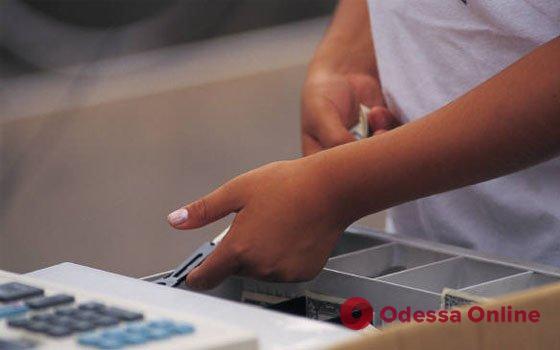 В Одесской области оператор отделения почты присвоила сто тысяч гривен