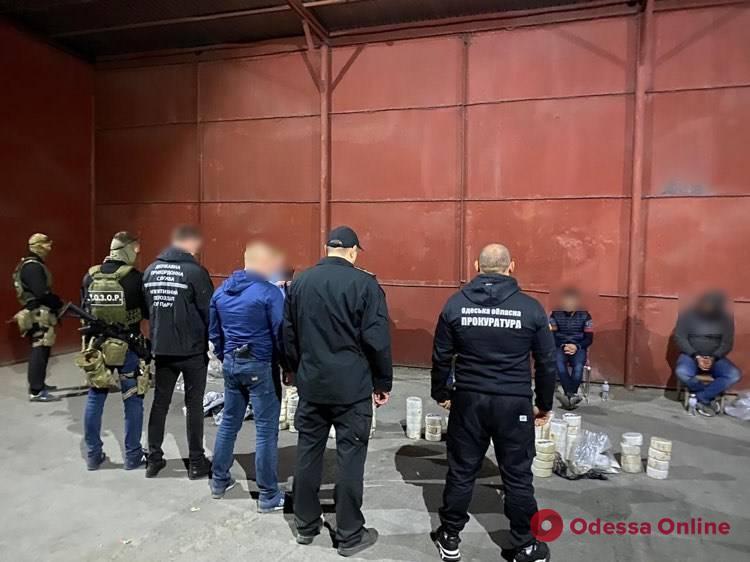 В Одессе будут судить четырех граждан Израиля за контрабанду более 80 килограммов кокаина