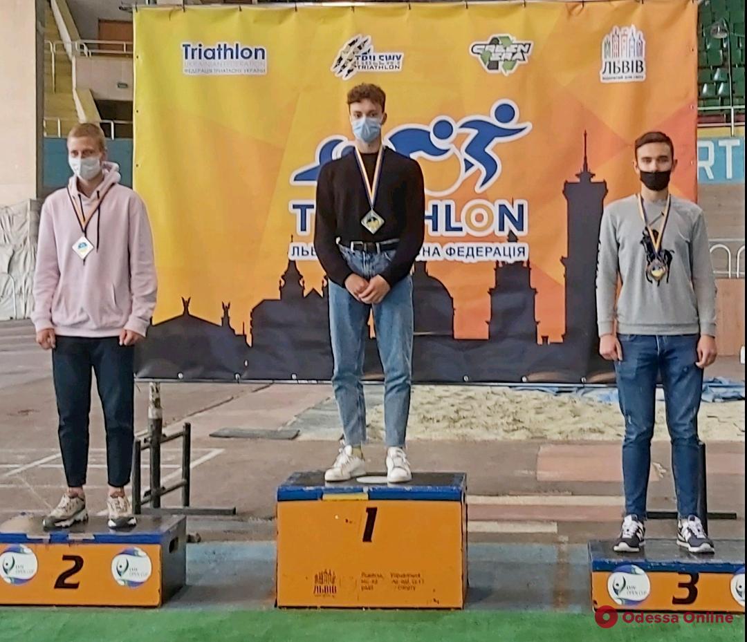 Триатлон: одессит во второй раз подряд завоевал титул чемпиона Украины