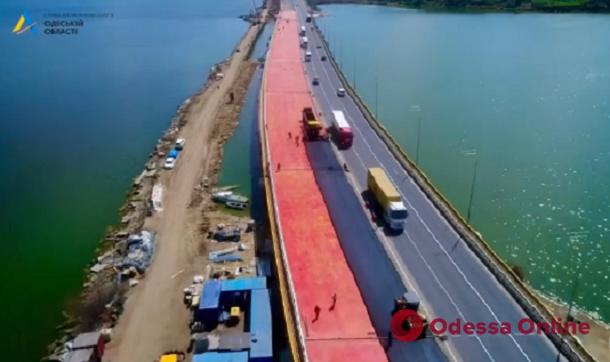 Движение по мосту через Хаджибейский лиман планируют полностью открыть в мае