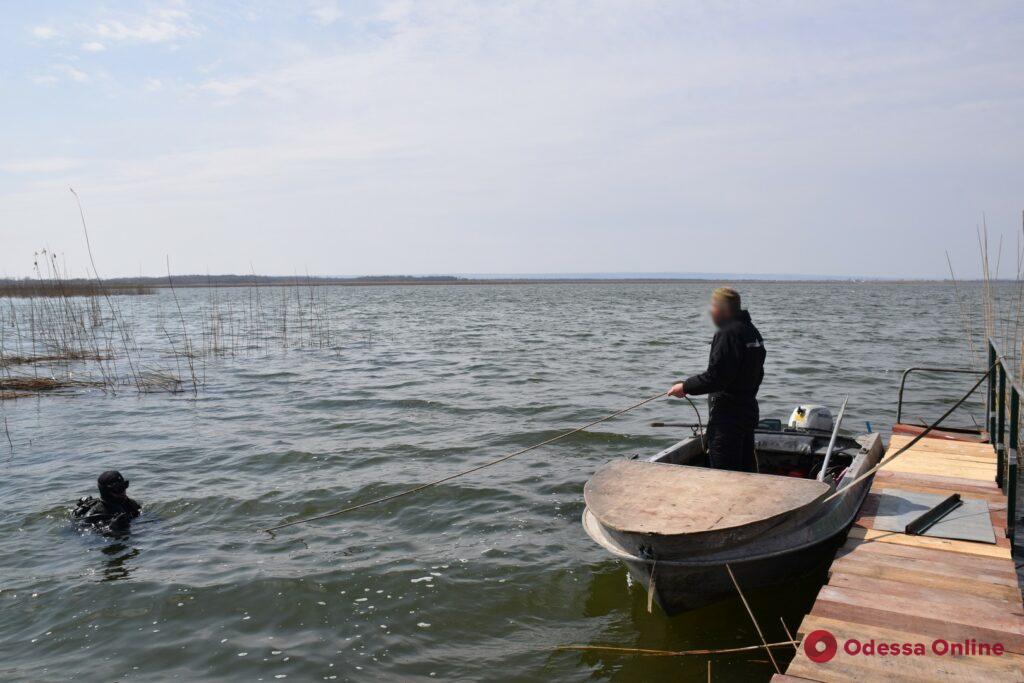 Одесская область: в Кучурганском лимане водолазы-пограничники искали спиртопроводы контрабандистов